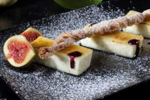 קרם-ברולה-סמי-פרדו-תאנים-ומקל-סוכר